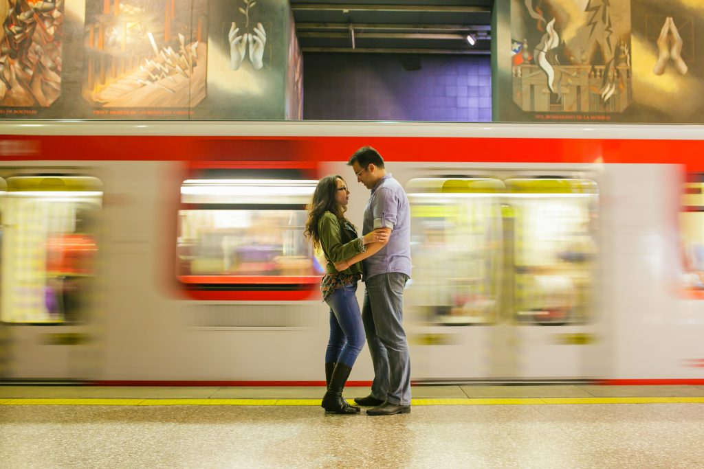 Sesion-engagement-metro-subway-santiago